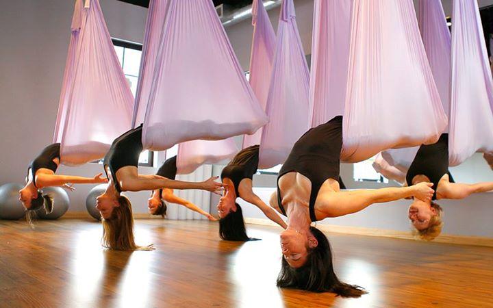 YOGA in VOLO Innovativa disciplina che permette il rivitalizzo di tutto il corpo… 23031244 1568073539915441 3784663567096665661 n